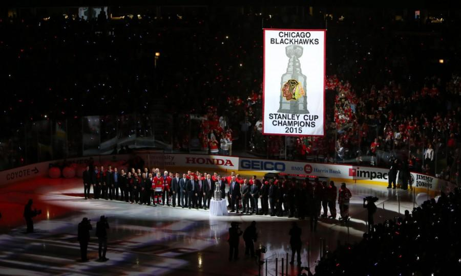 Oct+7%2C+2015%3B+Chicago%2C+IL%2C+USA%3B+Members+of+the+Chicago+Blackhawks+and+team+executives+pose+for+a+photo+during+the+2015+Stanley+Cup+championship+banner+raising+ceremony+before+the+game+against+the+New+York+Rangers+at+United+Center.+Mandatory+Credit%3A+Jerry+Lai-USA+TODAY+Sports+ORG+XMIT%3A+USATSI-227820+ORIG+FILE+ID%3A++20151007_jel_sl8_035.jpg