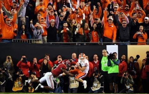 Clemson's Deshaun Watson delivered his second touchdown strike to Hunter Renfrow with one second left in the game