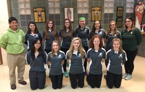 The 2017 St. Edward girls bowling team