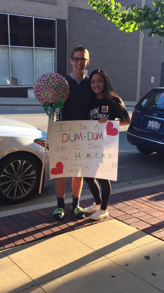 Will+Gaston+asks+Noelle+Dela+Cruz+to+Homecoming+with+giant+Dum-Dum.