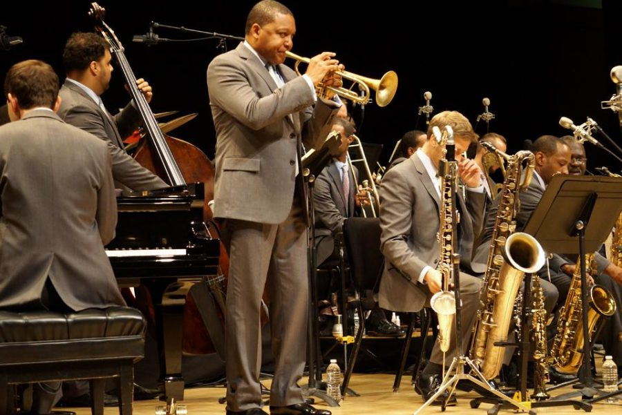 Wynton Marsalis leading his band in the seminar for students.
