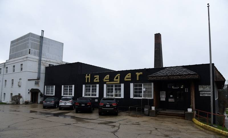 Haeger Pottery in East Dundee. The building still stands today.