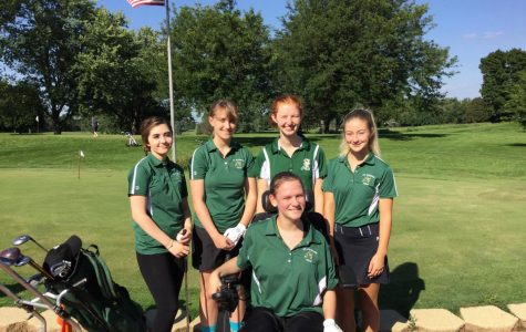 Members of the girl's golf